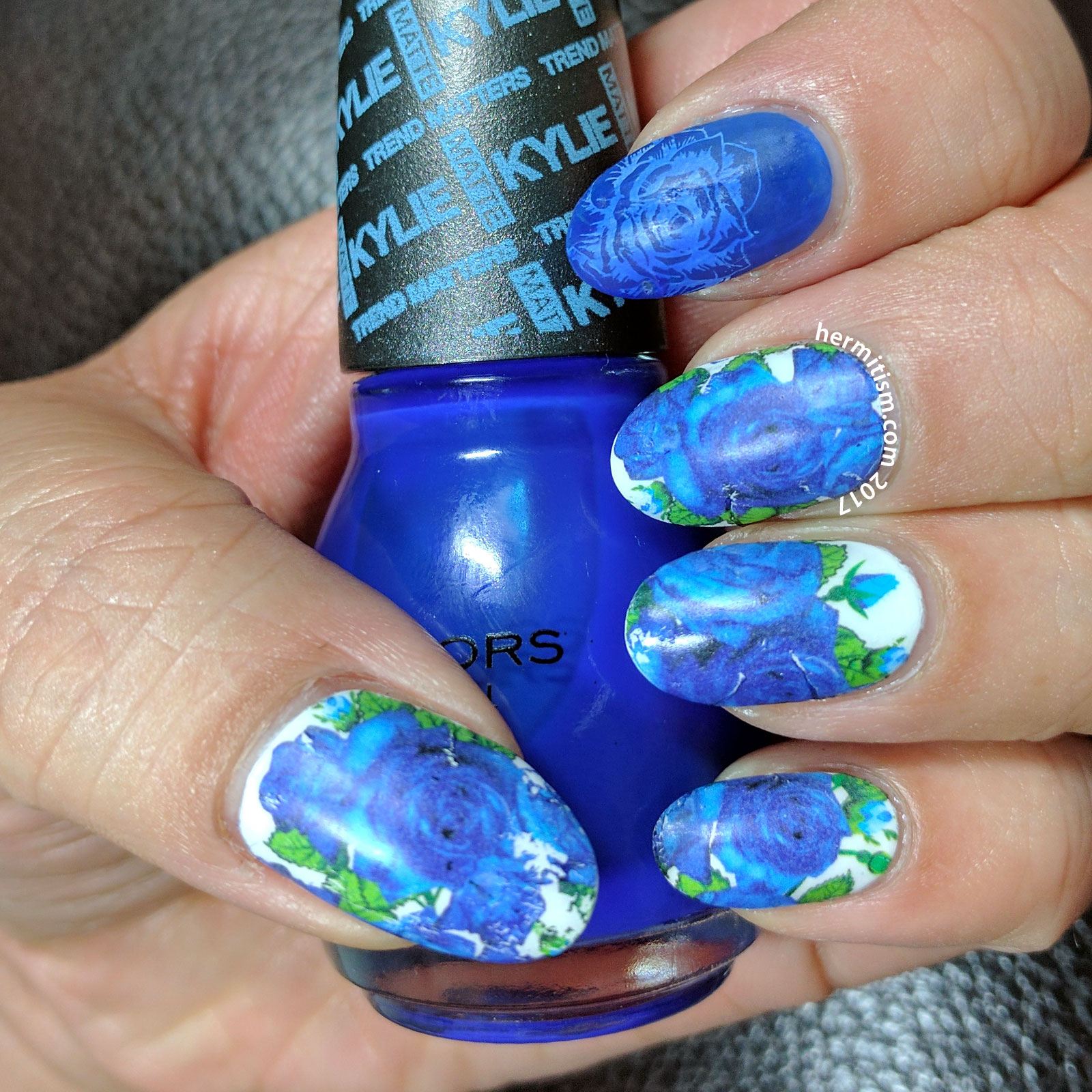 Blue Floral - 26 Great Nail Art Ideas - Hermit Werds