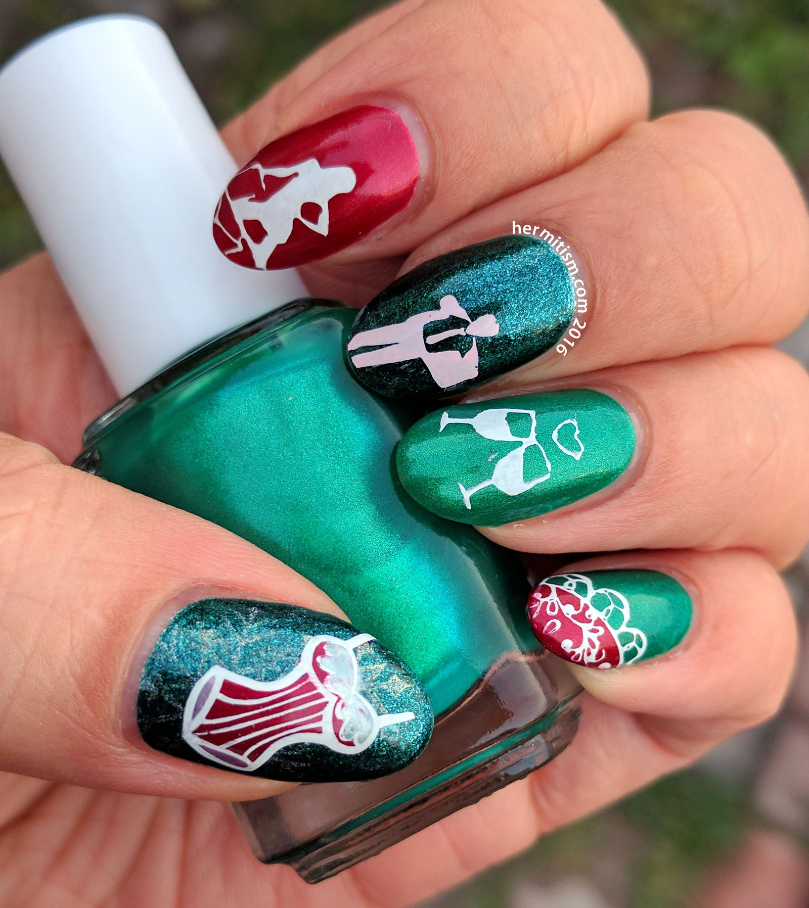 Christmas Preparations - 26 Great Nail Art Ideas - Hermit Werds
