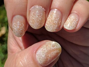 Golden for Office - Hermit Werds - 26 Great Nail Art Ideas - Work Appropriate