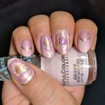Decopunk Pink - Hermit Werds - 26 Great Nail Art Ideas (pink, lilac + gold)