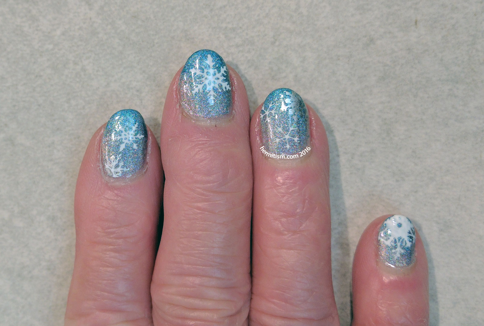 Family Manis - Snowflakes - Hermit Werds