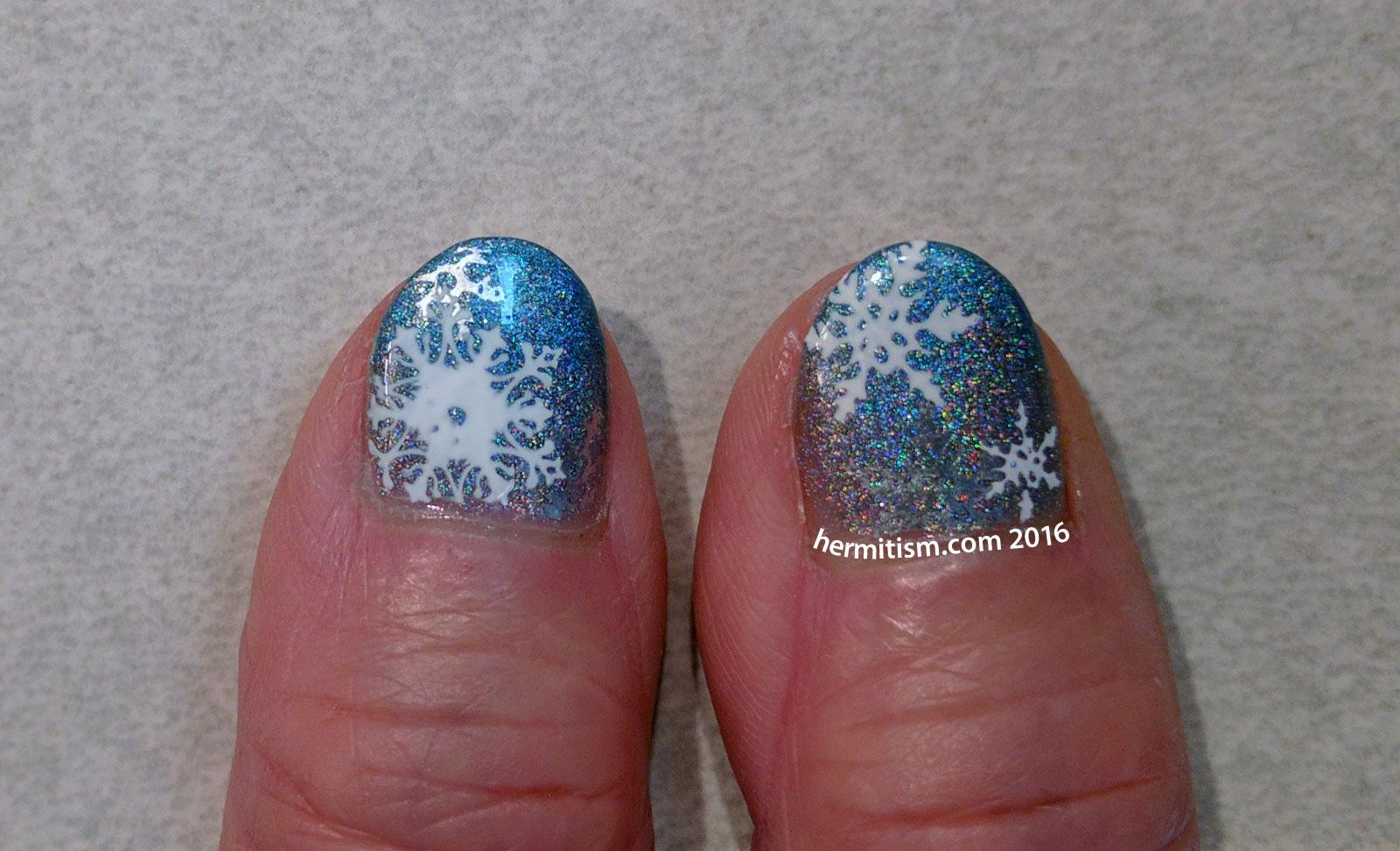 Family Manis - Snowflakes - Hermit Werds