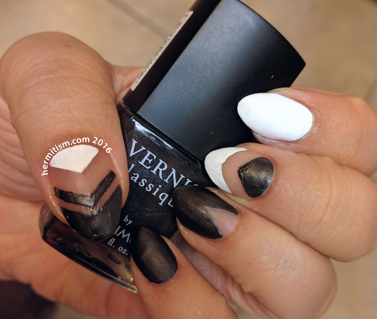 Black and White - 31 Day Challenge Nail Art - Hermit Werds