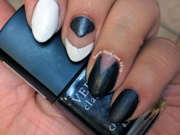 Black and White - 31 Day Challenge Nail Art - Hermit Werds