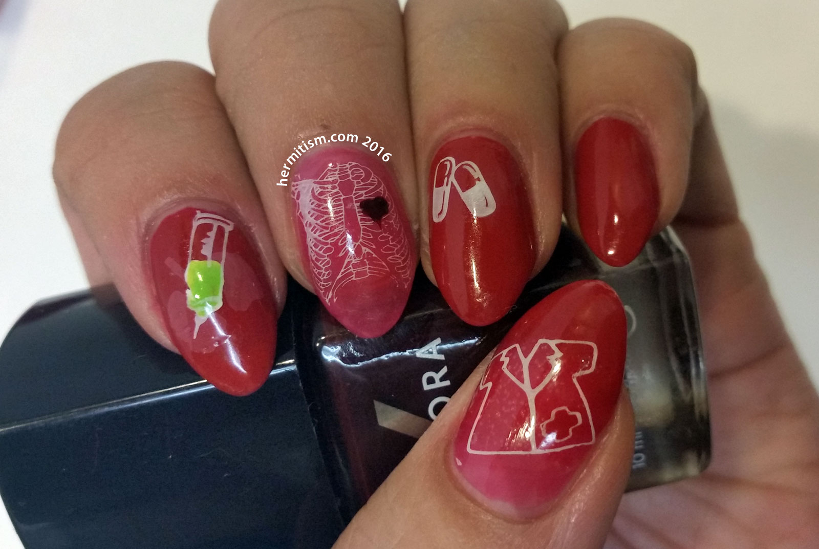 Q is for Quack - ABC Nail Art Challenge - 31 Day Challenge (Red) - Hermit Werds