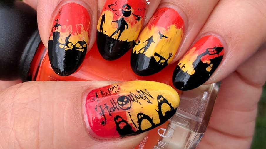 U is for Undead - ABC Nail Art Challenge - 31 Day Challenge (supernatural) - Hermit Werds