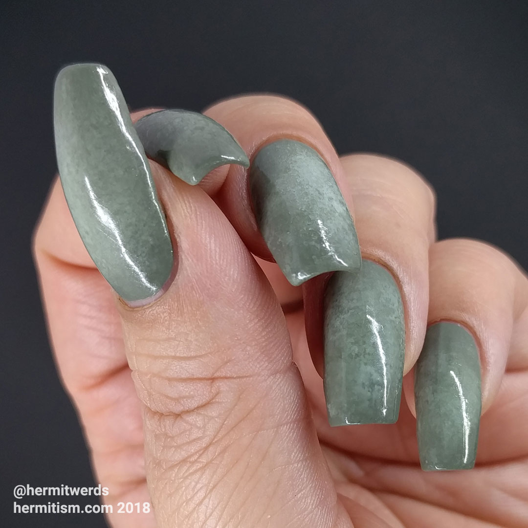 """Radial gradient w/Essie's """"Sew Psyched"""" and Zoya's """"Neely"""" - Hermit Werds - pea green radial gradient"""
