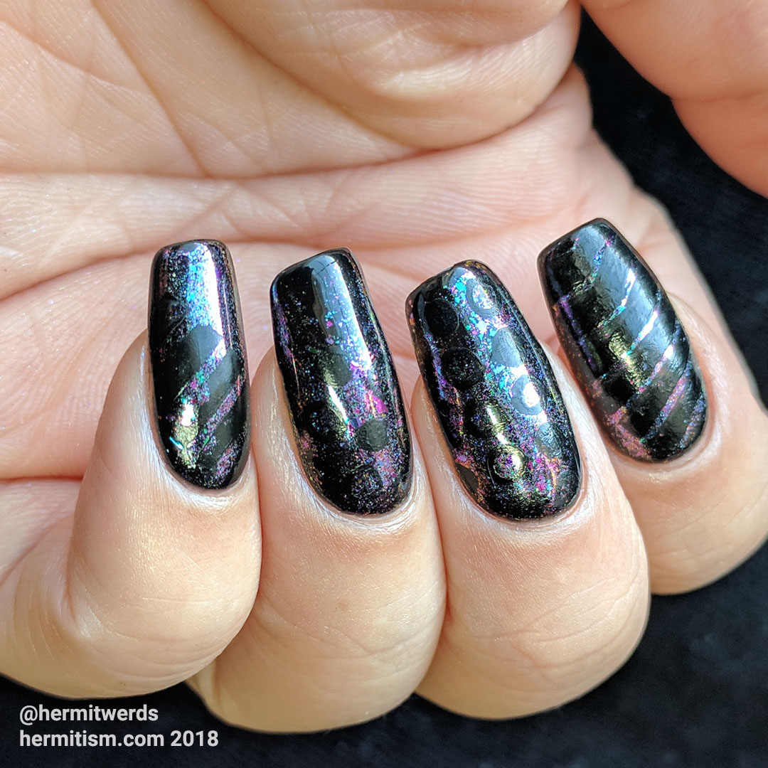 Circles and Lines - Hermit Werds - black gel nails with flakie powder and black stamping in circles and lines