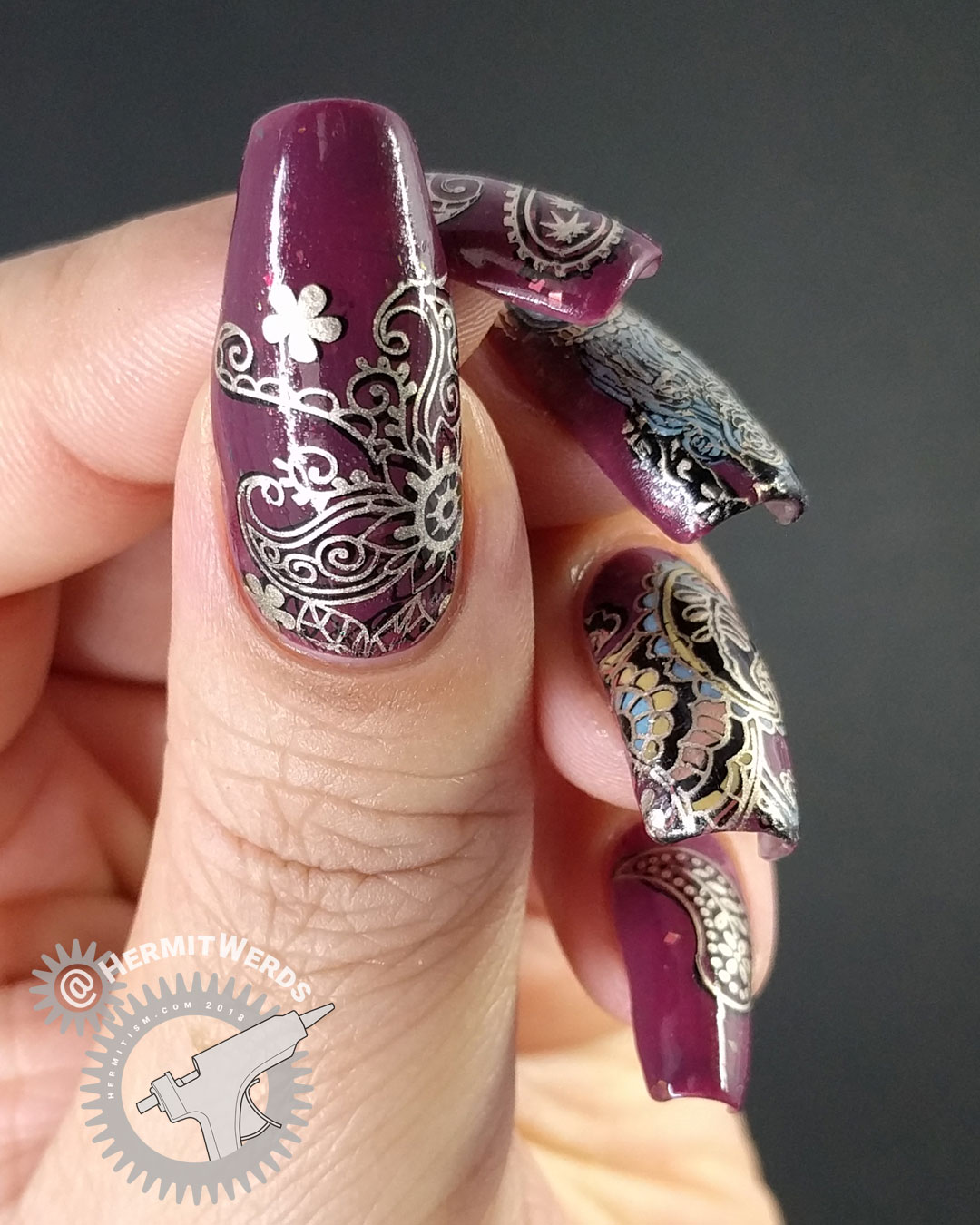 The Fanciest Paisley - Hermit Werds - ornate golden and cranberry paisley nail art
