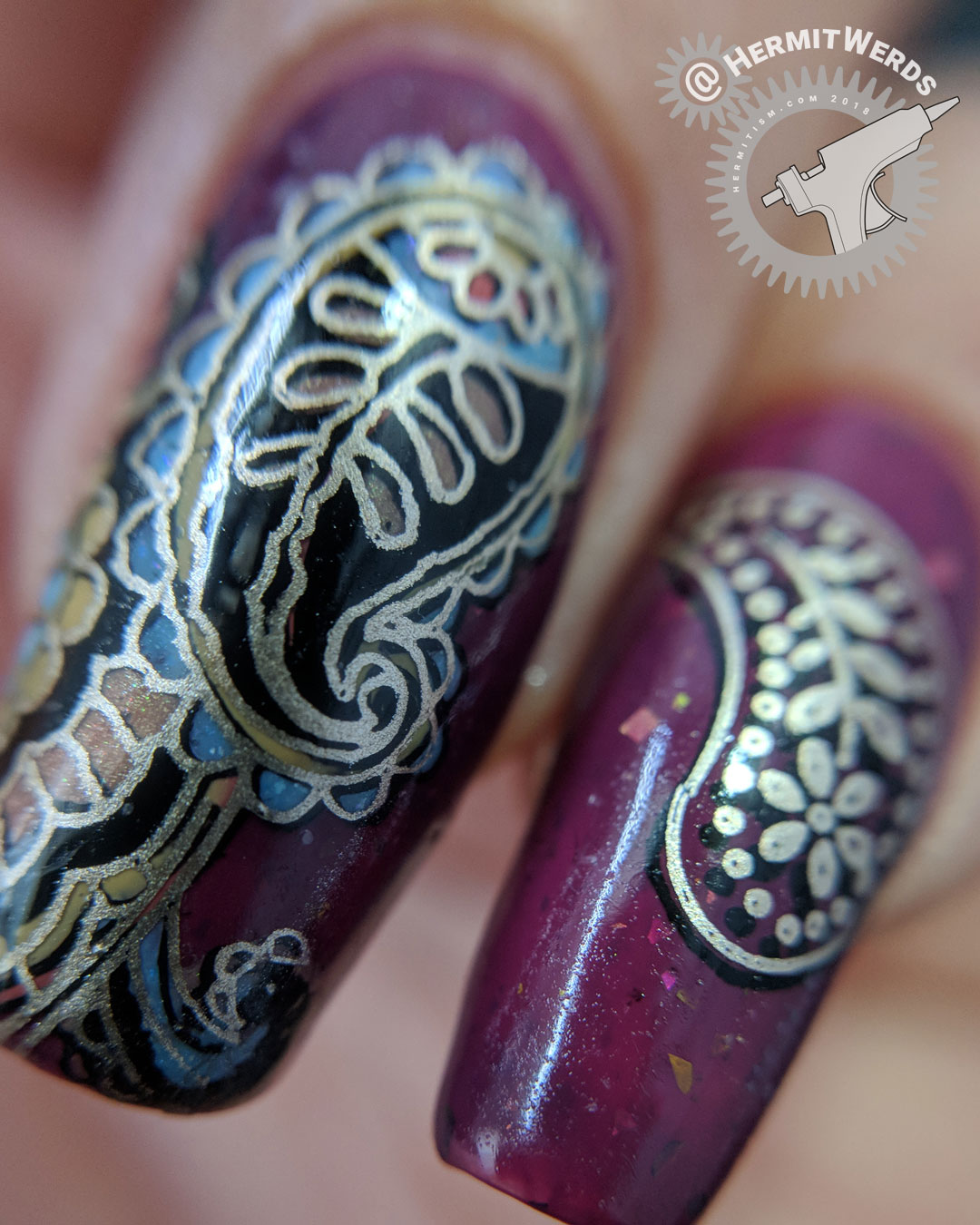 The Fanciest Paisley (macro) - Hermit Werds - ornate golden and cranberry paisley nail art