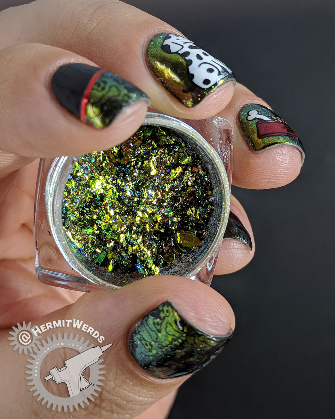 Beauty BigBang Holo Flakie Powder #10 - Hermit Werds - product photo with doggy nail art