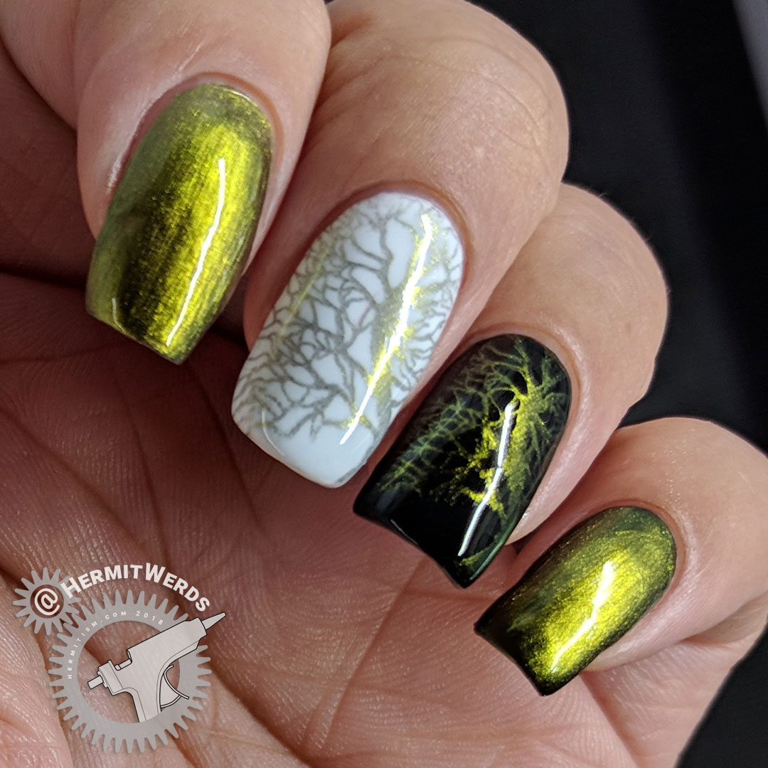 BeautyBigBang Duochrome Swatch J6504TM-3A - Hermit Werds - yellow to green duochrome stamping swatch on natural nail, white, and black