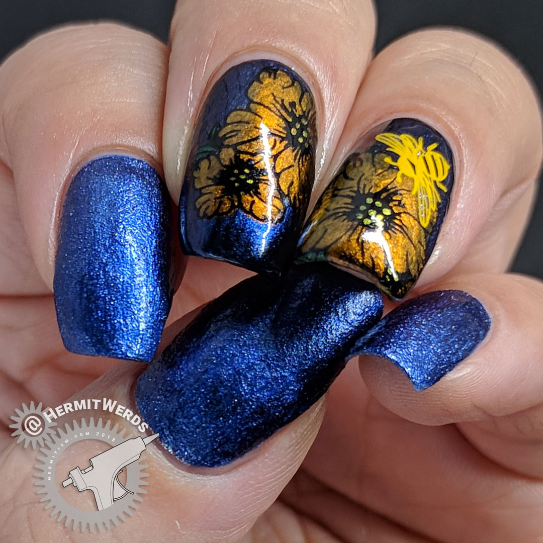 Last Sips of Fall - Hermit Werds - blue to purple duochrome nail art with zippy yellow and orange bees and flowers