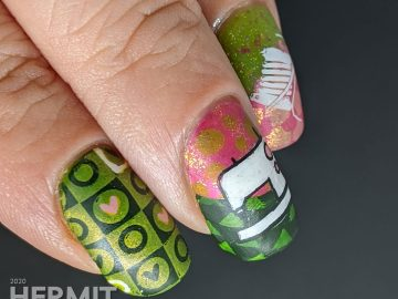 Quilting themed nail art with decals of sewing machine, bobbins, cloth swatches, and patterns to make a beautiful pink and green quilt.